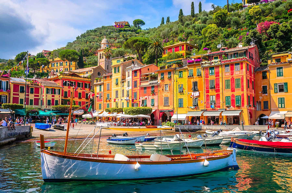 Places with the healthiest climate: Liguria Boats in a bay in Portofino