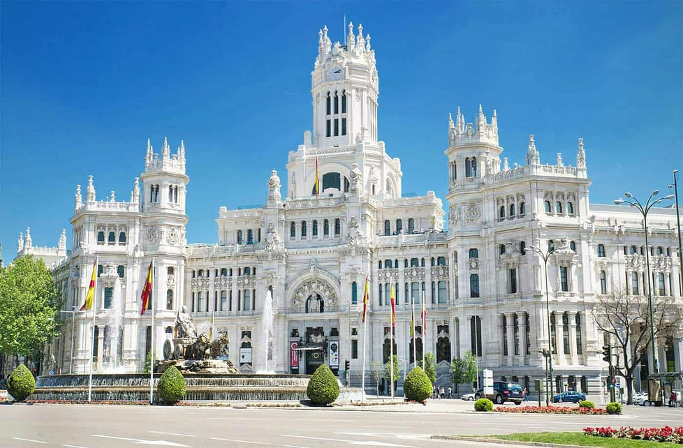A beautiful white-stone building in the centre of Madrid