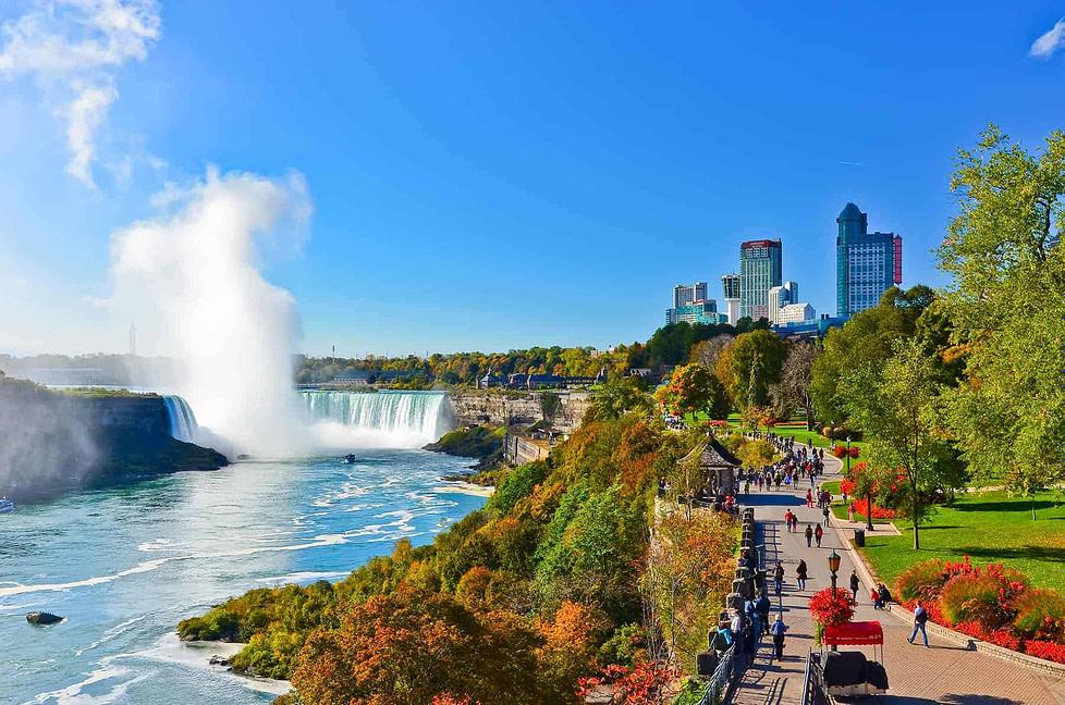 Living in Canada - Niagara Falls