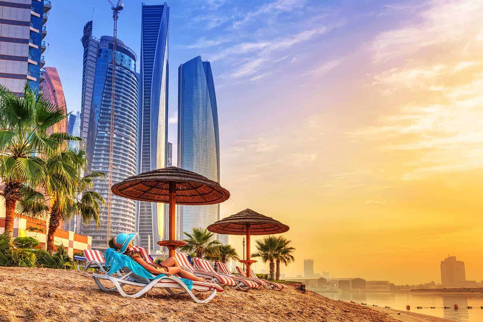Living in Dubai - pros and cons